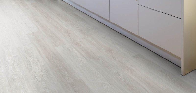 Jak pokládat laminátovou podlahu vúzkých prostorech